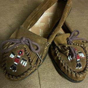 MinneTonka moccasins, new-condition . Size 71/2.